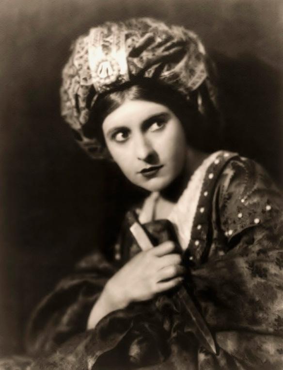 Pearl White - c. 1915-1920